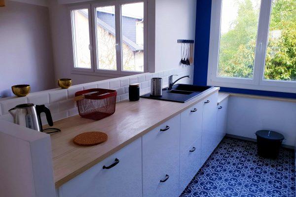 cuisine avec plan de travail de l'appartement locatif